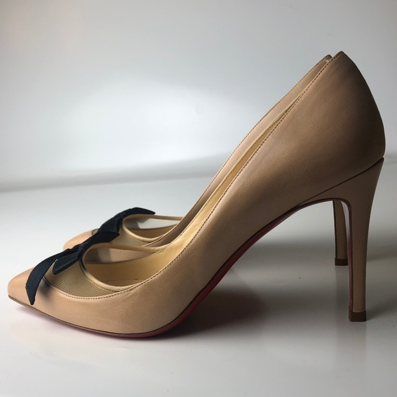 8f43c33408f6 Louboutin Love Me 100 Bow Nude Leather Pumps 38.5